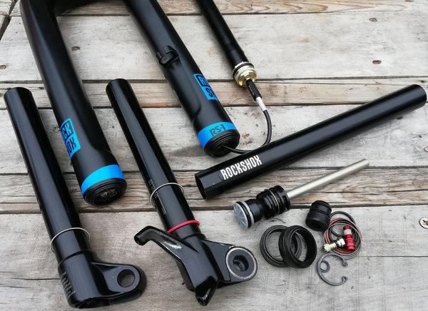 Service Rock Shox Dual Solo Air RS1 BoXXer MTB Federgabel Up Side Down